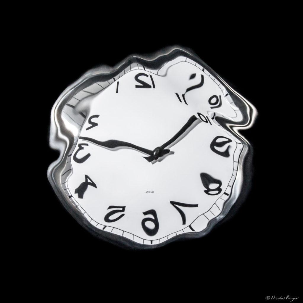 artiste-photographe-horloge-molle